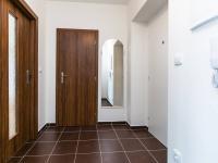 předsíň - Prodej bytu 2+1 v osobním vlastnictví 75 m², Chrášťany