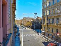 Pohled směrem k Hlavnímu nádraží Praha - Prodej bytu 4+1 v osobním vlastnictví 133 m², Praha 1 - Nové Město