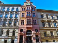 Pohled na dům - Prodej bytu 4+1 v osobním vlastnictví 133 m², Praha 1 - Nové Město