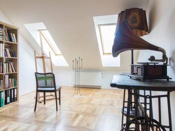 Prodej bytu 3+1 v osobním vlastnictví 131 m², Praha 7 - Holešovice