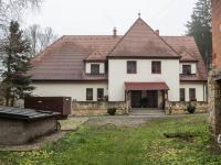 Prodej komerčního objektu 1740 m², Družec