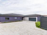 Prodej domu v osobním vlastnictví, 255 m2, Králův Dvůr