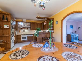 Prodej bytu 4+1 v osobním vlastnictví 123 m², Praha 10 - Hostivař
