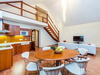 Prodej bytu 6+kk v osobním vlastnictví, 166 m2, Karlovy Vary