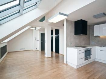 Prodej bytu 3+kk v osobním vlastnictví 153 m², Praha 5 - Smíchov