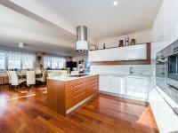 Prodej domu v osobním vlastnictví 349 m², Křenice