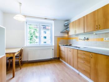 Prodej bytu 2+1 v osobním vlastnictví 50 m², Praha 6 - Vokovice