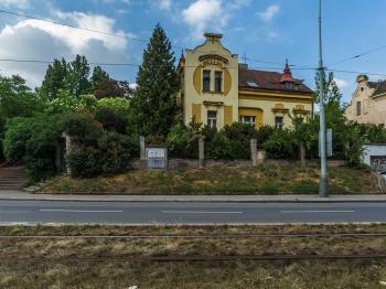Prodej domu v osobním vlastnictví 220 m², Praha 10 - Kolovraty