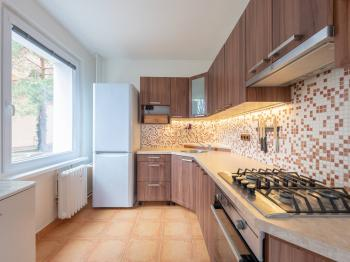 Prodej bytu 2+1 v osobním vlastnictví 54 m², Praha 9 - Hloubětín