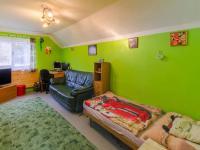 Rodinný dům: dětský pokoj v patře - Prodej domu v osobním vlastnictví 160 m², Jesenný