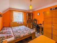 Rodinný dům: ložnice v patře - Prodej domu v osobním vlastnictví 160 m², Jesenný