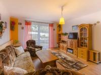 Rodinný dům: obývák s výstupem do zahrady - Prodej domu v osobním vlastnictví 160 m², Jesenný