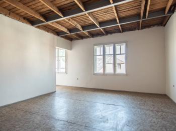 Prodej domu v osobním vlastnictví 90 m², Kostelec nad Černými lesy