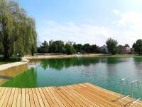 Koupaliště Lhotka (biotop), 1,5 km od domu - Prodej bytu 2+kk v osobním vlastnictví 60 m², Praha 4 - Braník