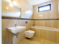 Koupelna s WC - Pronájem bytu 5+kk v osobním vlastnictví 145 m², Praha 5 - Košíře