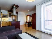 společenská část bytu - Prodej bytu 3+kk v osobním vlastnictví 97 m², Jesenice