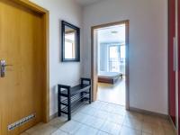 vstup do bytu - Prodej bytu 3+kk v osobním vlastnictví 97 m², Jesenice