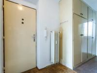 Vstup do bytu, skříně na chodbě - Prodej bytu 2+1 v osobním vlastnictví 54 m², Mladá Boleslav