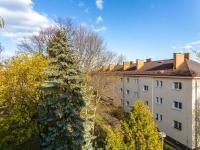 Výhled z kuchyně do vnitrobloku - Prodej bytu 2+1 v osobním vlastnictví 54 m², Mladá Boleslav
