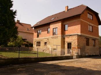 Dům a zahrada - Prodej domu v osobním vlastnictví 300 m², Úvaly