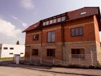 Pohled na dům - Prodej domu v osobním vlastnictví 300 m², Úvaly