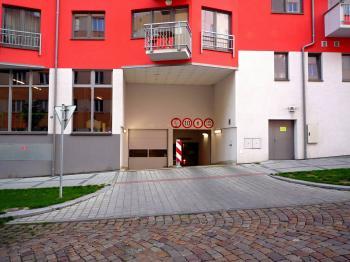 Pronájem garážového stání 15 m², Praha 4 - Krč