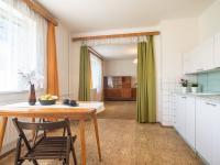 Kuchyně a obývací pokoj - Prodej domu v osobním vlastnictví 140 m², Kounice