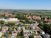 Škola a sportovní hala - Prodej domu v osobním vlastnictví 140 m², Kounice