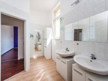 Prodej bytu 3+1 v osobním vlastnictví, 369 m2, Praha 5 - Stodůlky