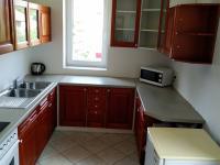 Kuchyňka přístupná ze vstupní haly - Pronájem kancelářských prostor 175 m², Praha 6 - Dejvice