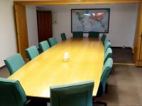 Zasedací místnost v přízemí - Pronájem kancelářských prostor 175 m², Praha 6 - Dejvice