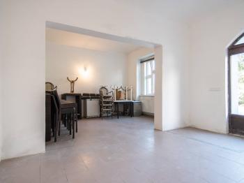 Pronájem obchodních prostor 146 m², Praha 8 - Libeň