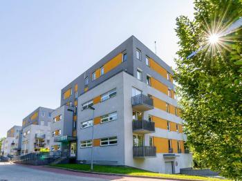 Pohled na dům 1 - Prodej bytu 1+kk v osobním vlastnictví 33 m², Praha 10 - Malešice