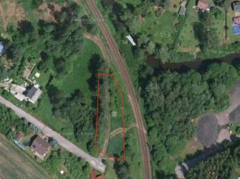 První část pozemku - Prodej pozemku 3220 m², Dvorce