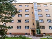 Pohled na dům - Prodej bytu 3+1 v osobním vlastnictví 71 m², Praha 5 - Radlice