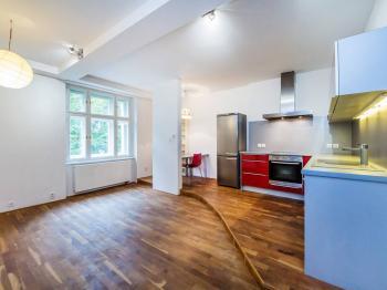 Prodej bytu 2+kk v osobním vlastnictví 52 m², Praha 3 - Žižkov