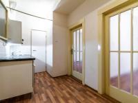 Předsíň s kuchyňkou - 6,8 m2 - Prodej bytu 2+kk v osobním vlastnictví 43 m², Praha 10 - Strašnice