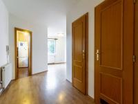 Vstup do obývacího pokoje - Prodej domu v osobním vlastnictví 205 m², Horoměřice