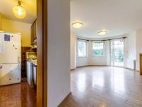Obývací pokoj s kuchyní - Prodej domu v osobním vlastnictví 205 m², Horoměřice