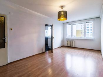 Obývací pokoj - Prodej bytu 3+1 v osobním vlastnictví 65 m², Praha 10 - Strašnice