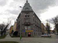 Pronájem komerčního prostoru (obchodní), 208 m2, Praha 6 - Dejvice