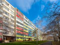 pohled na dům - Prodej bytu 3+1 v osobním vlastnictví 54 m², Praha 9 - Prosek