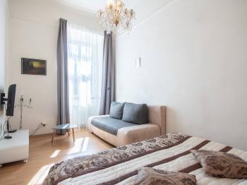 Pronájem bytu 2+kk v osobním vlastnictví, 41 m2, Praha 5 - Smíchov