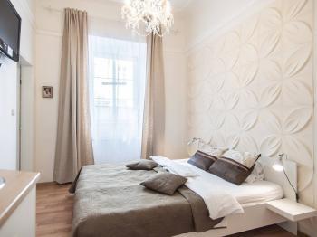 Pronájem bytu 1+kk v osobním vlastnictví, 17 m2, Praha 5 - Smíchov