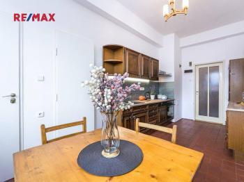 Prodej bytu 4+1 v osobním vlastnictví, 139 m2, Praha 7 - Holešovice
