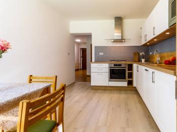 Prodej bytu 3+1 v osobním vlastnictví, 90 m2, Praha 5 - Smíchov