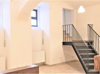 Prodej komerčního prostoru (kanceláře) v osobním vlastnictví, 150 m2, Praha 5 - Smíchov