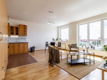 Prodej bytu 2+kk v osobním vlastnictví, 49 m2, Praha 9 - Letňany