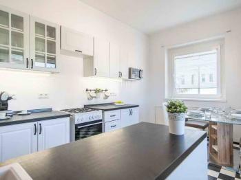 Pronájem bytu 2+1 v osobním vlastnictví, 78 m2, Praha 6 - Dejvice