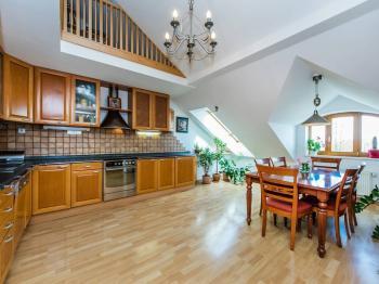 Prodej bytu 4+kk v družstevním vlastnictví, 173 m2, Praha 5 - Smíchov
